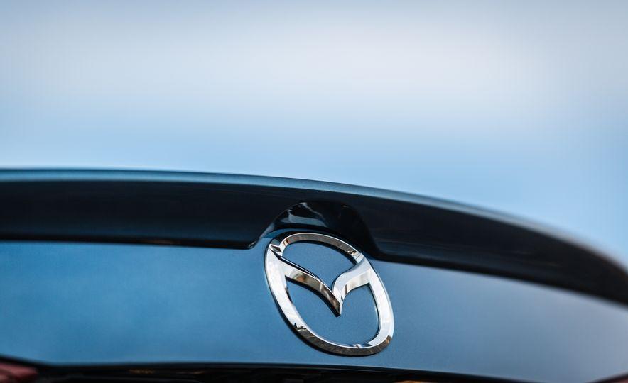 2017 Mazda 3 - Slide 26