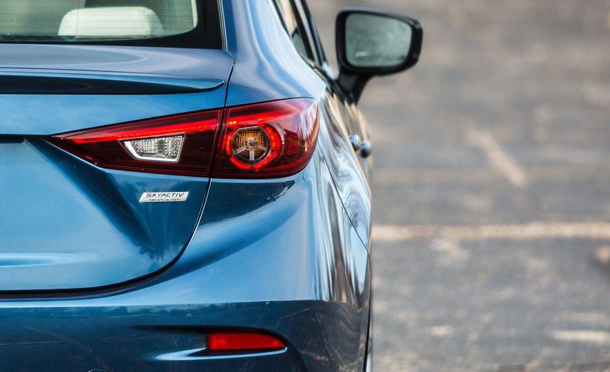 2017 Mazda 3 - Slide 27