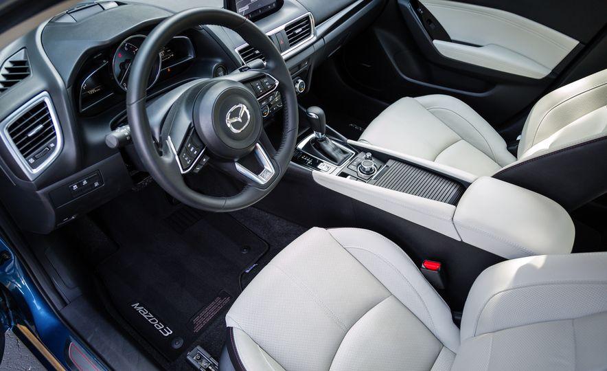 2017 Mazda 3 - Slide 29
