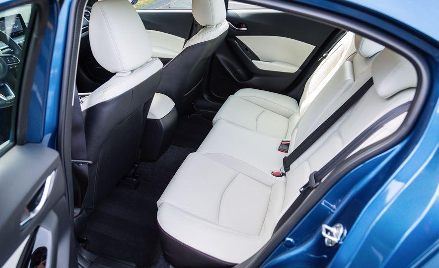 2017 Mazda 3 - Slide 31
