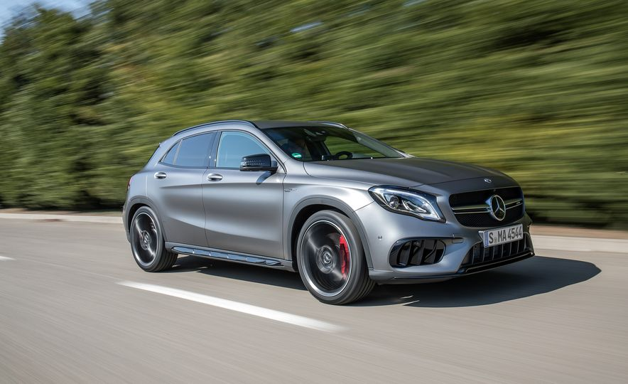 2017 Mercedes-AMG GLA45 - Slide 1
