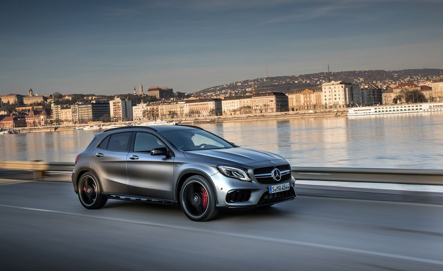 2017 Mercedes-AMG GLA45 - Slide 3