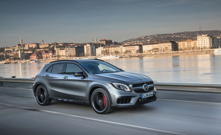 2017 Mercedes-AMG GLA45 - Slide 4