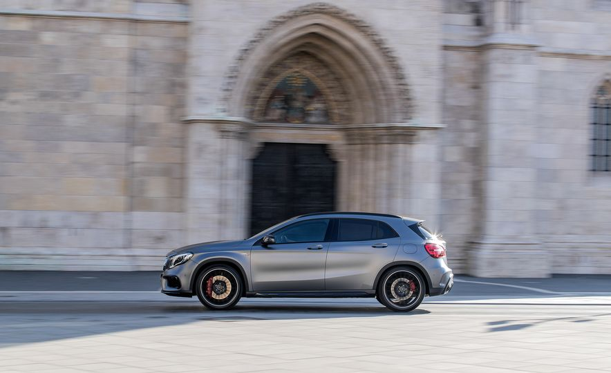 2017 Mercedes-AMG GLA45 - Slide 7