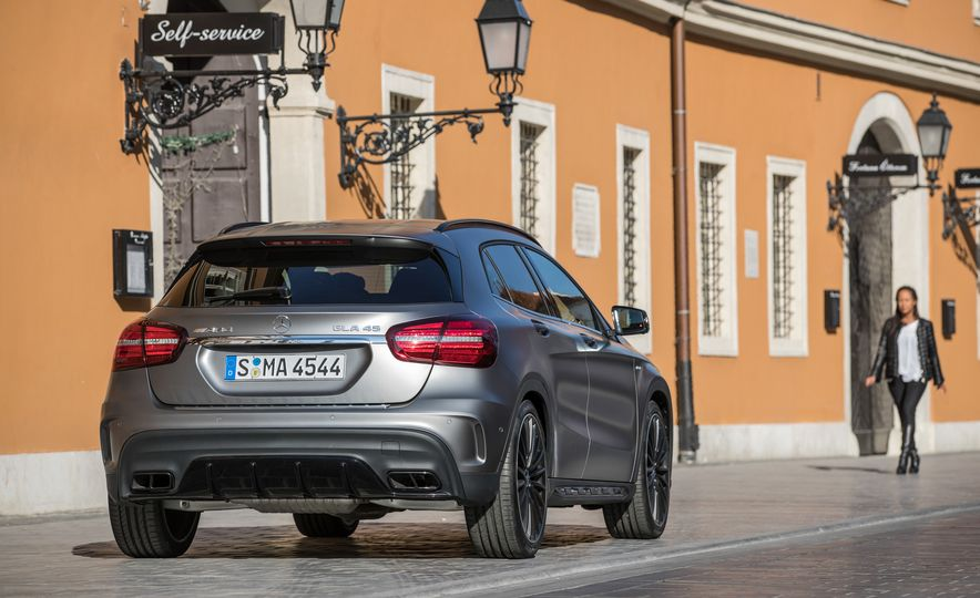 2017 Mercedes-AMG GLA45 - Slide 15