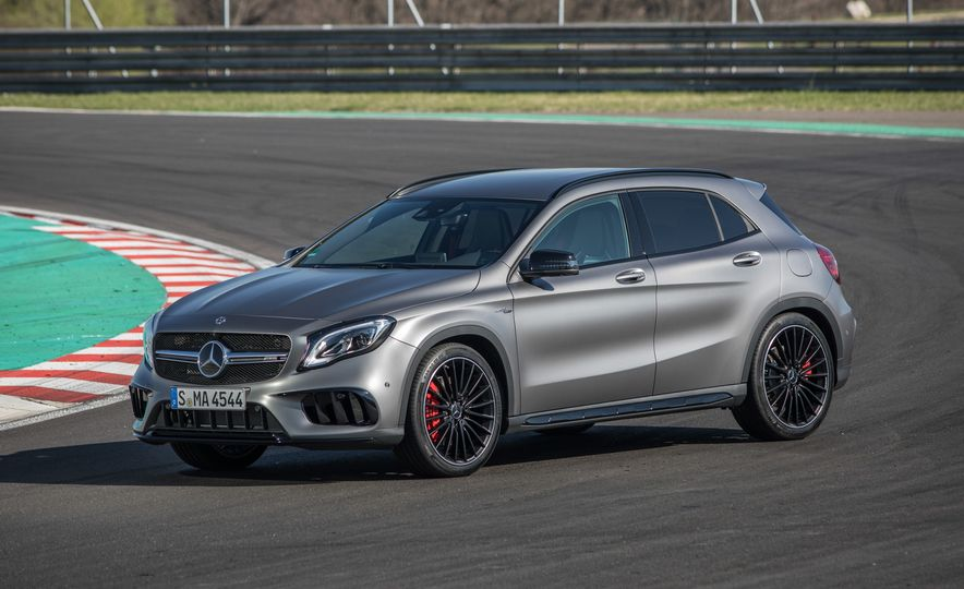 2017 Mercedes-AMG GLA45 - Slide 16