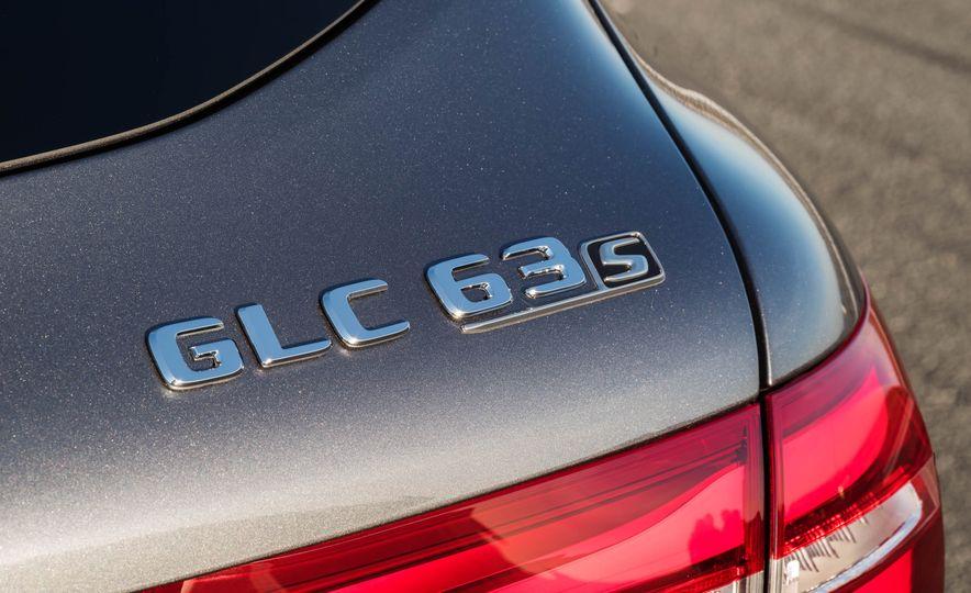 2018 Mercedes-AMG GLC63 - Slide 26