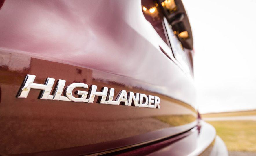 2017 Toyota Highlander hybrid - Slide 23