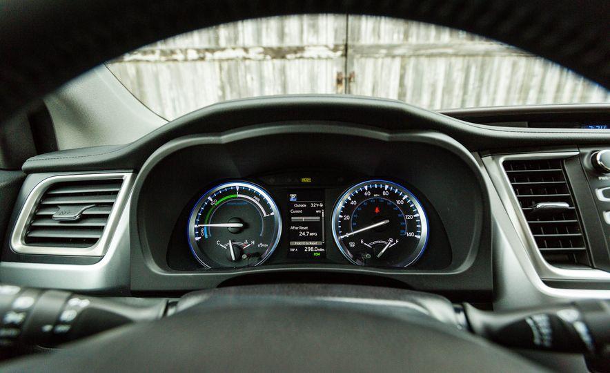 2017 Toyota Highlander hybrid - Slide 30