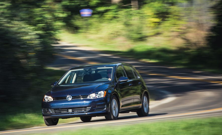 2017 Volkswagen Golf - Slide 6