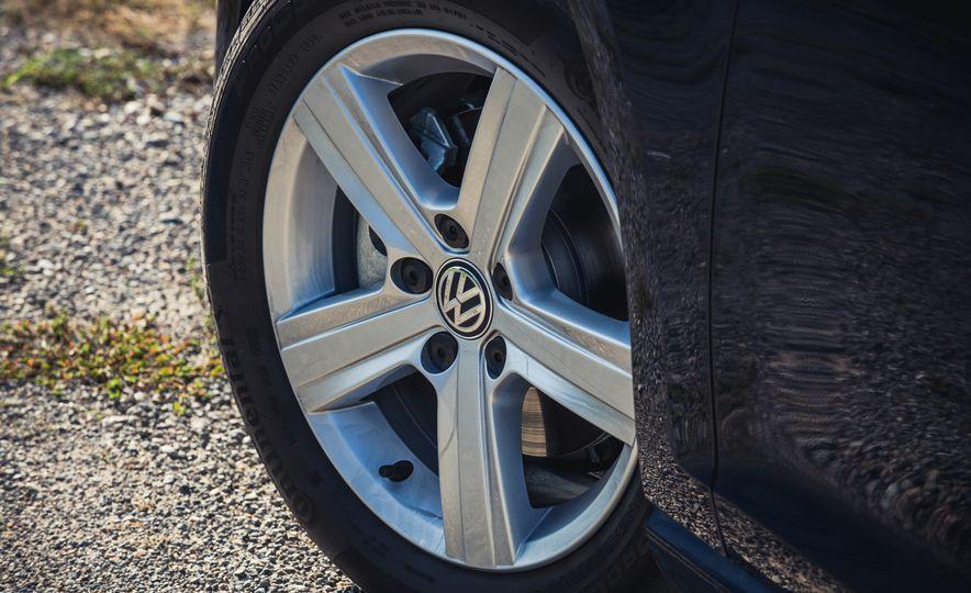 2017 Volkswagen Golf - Slide 18