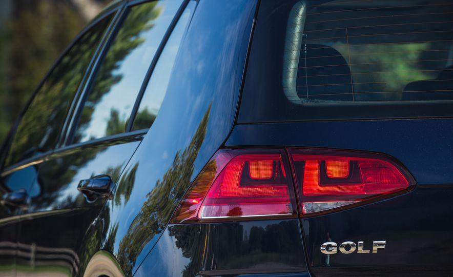 2017 Volkswagen Golf - Slide 21