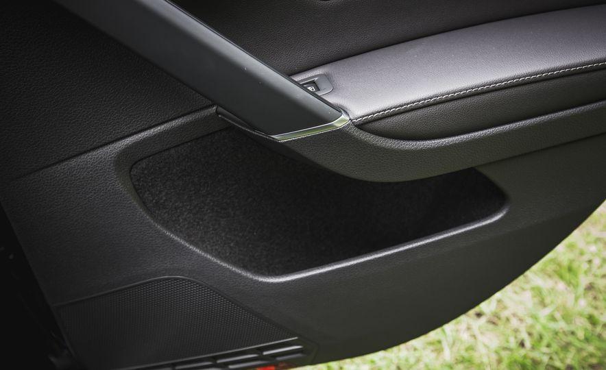 2017 Volkswagen Golf - Slide 52