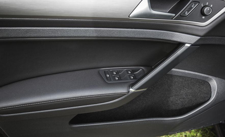 2017 Volkswagen Golf - Slide 53