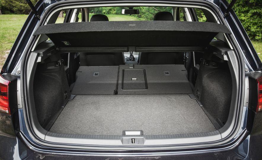 2017 Volkswagen Golf - Slide 60