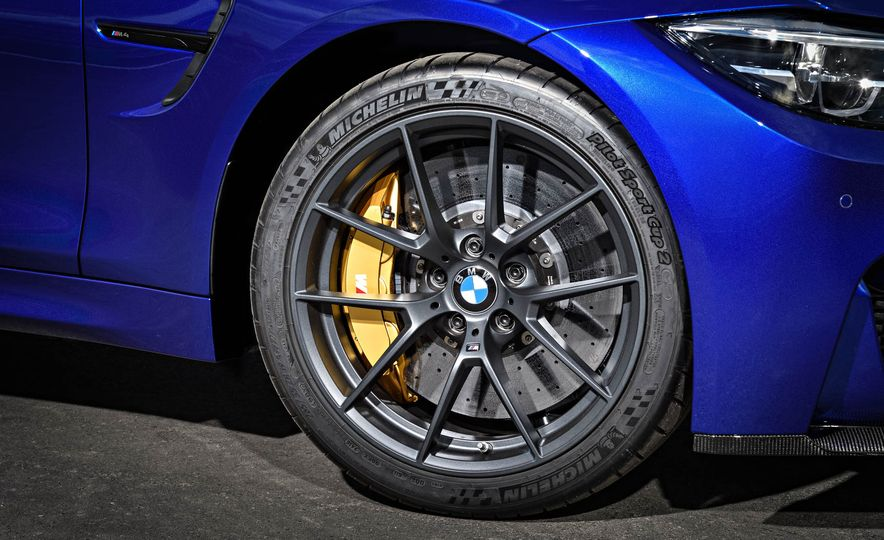 2018 BMW M4 CS - Slide 28