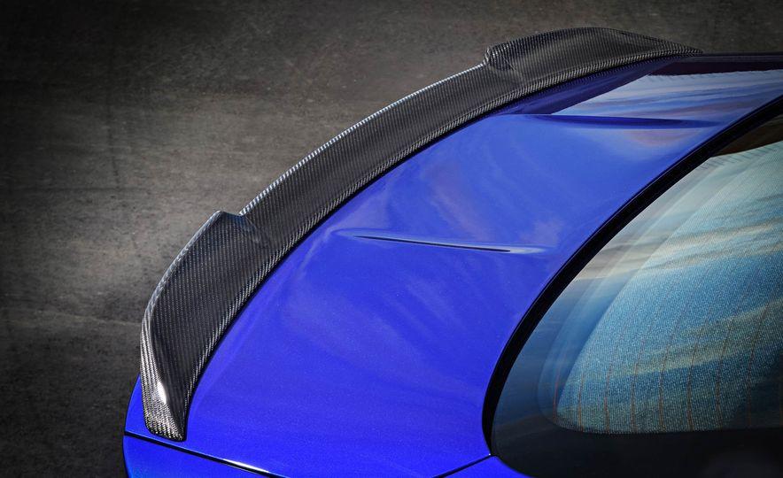 2018 BMW M4 CS - Slide 30