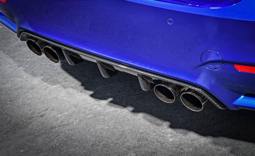 2018 BMW M4 CS - Slide 33