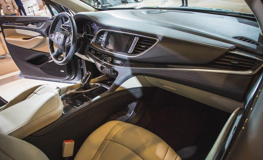 2018 Buick Enclave Avenir - Slide 22