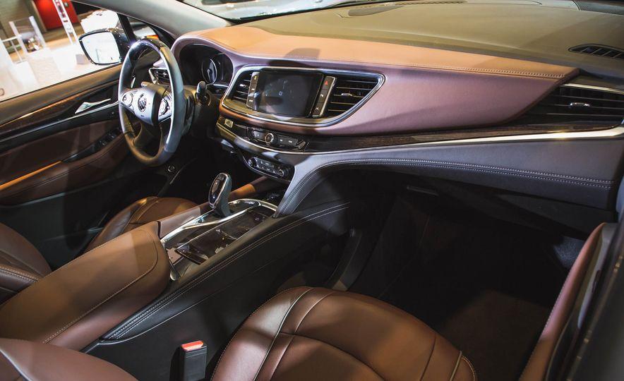2018 Buick Enclave Avenir - Slide 8