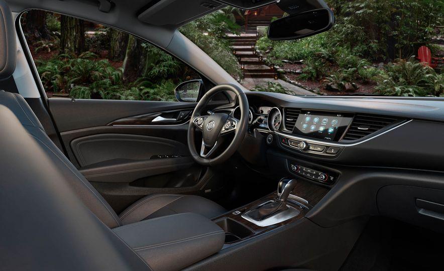 2018 Buick Regal Sportback - Slide 11