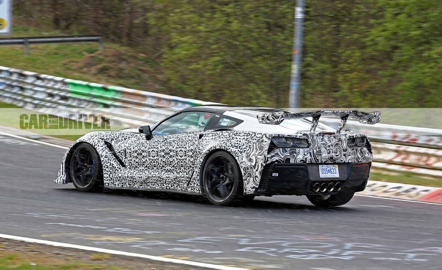 2018 Chevrolet Corvette ZR1 (spy photo) - Slide 7