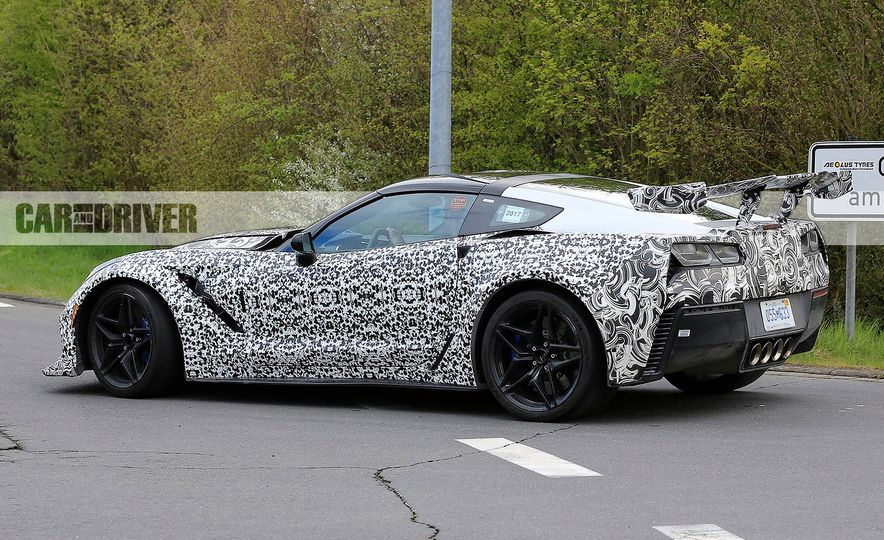 2018 Chevrolet Corvette ZR1 (spy photo) - Slide 16