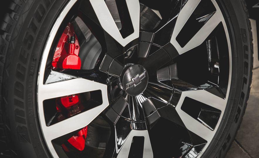 2018 Chevrolet Tahoe RST - Slide 15