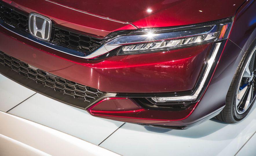 2018 Honda Clarity Plug-In Hybrid - Slide 30