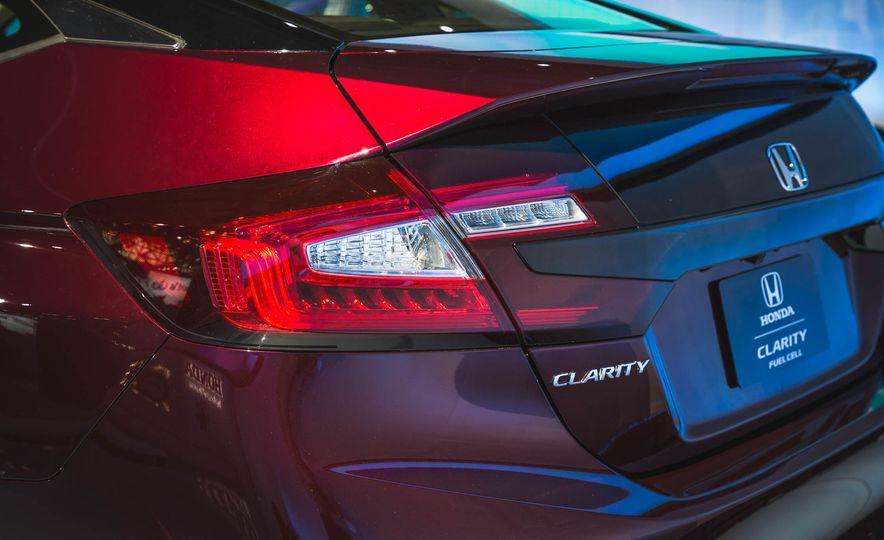 2018 Honda Clarity Plug-In Hybrid - Slide 32