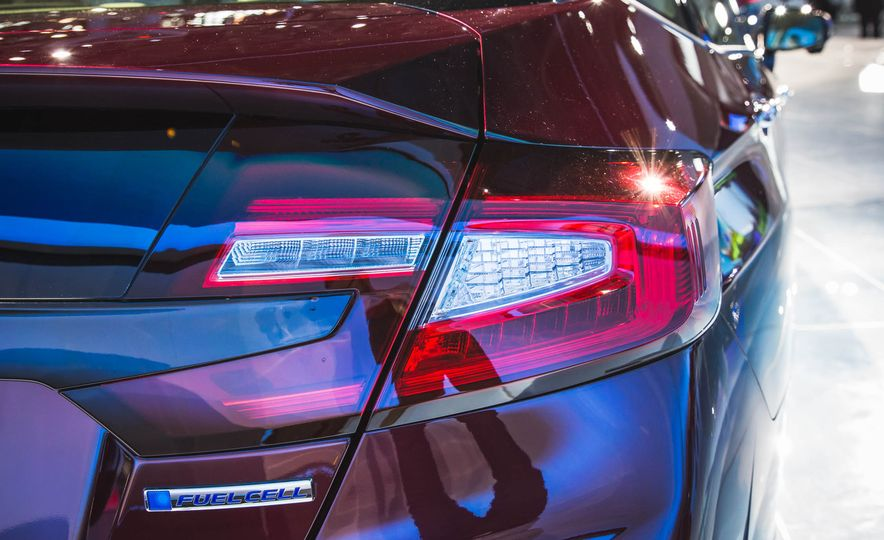 2018 Honda Clarity Plug-In Hybrid - Slide 33