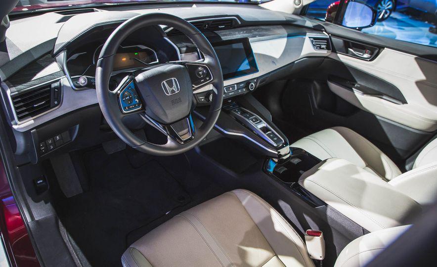 2018 Honda Clarity Plug-In Hybrid - Slide 34