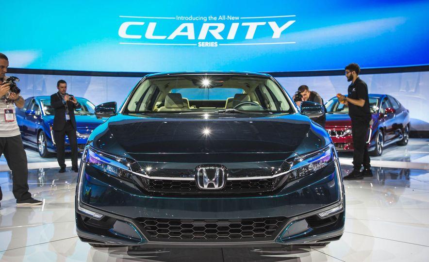 2018 Honda Clarity Plug-In Hybrid - Slide 1