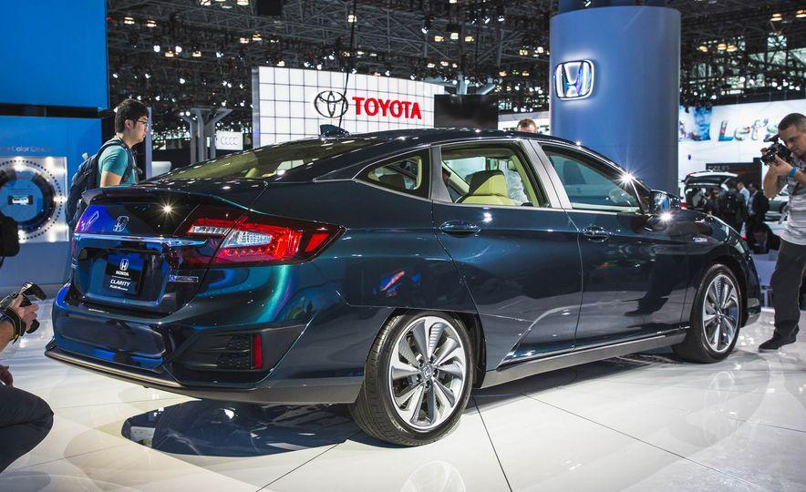 2018 Honda Clarity Plug-In Hybrid - Slide 4