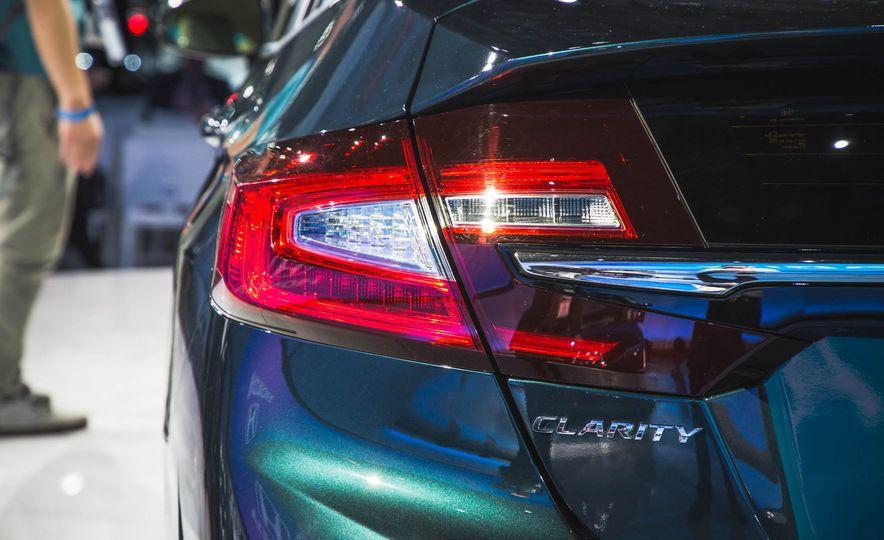 2018 Honda Clarity Plug-In Hybrid - Slide 6
