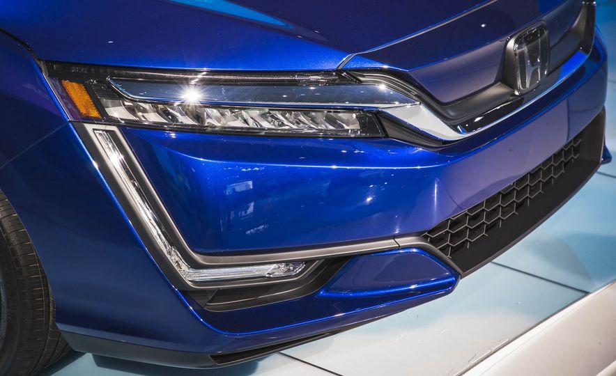 2018 Honda Clarity Plug-In Hybrid - Slide 12