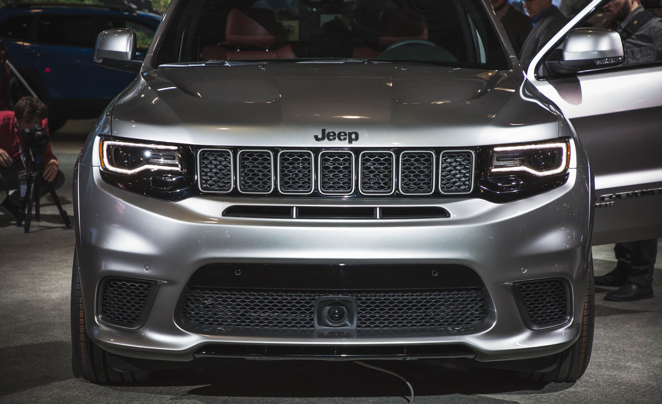 2018 jeep grand cherokee srt8. contemporary grand 2018 jeep grand cherokee trackhawk pictures  photo gallery car and driver in jeep grand cherokee srt8 e