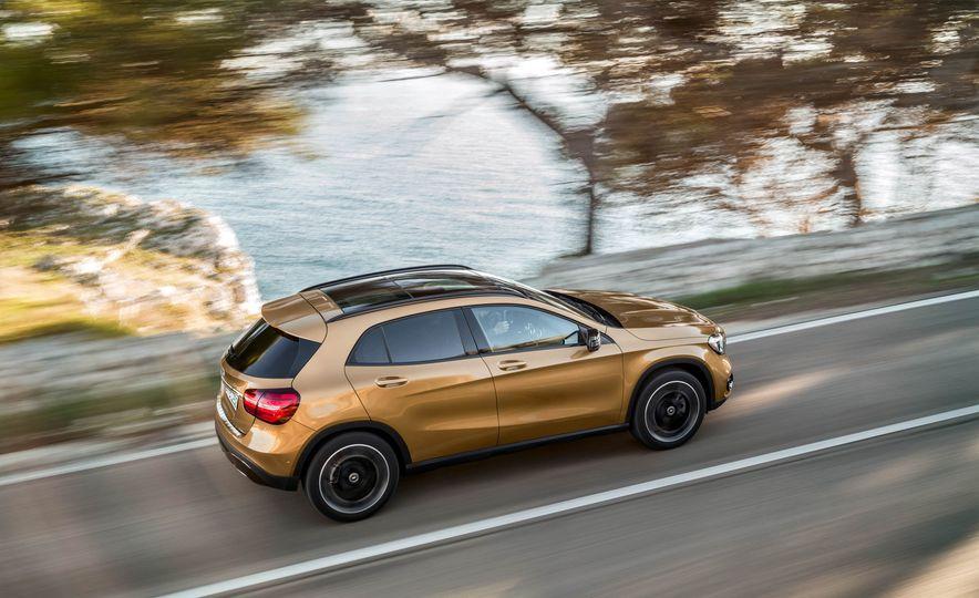 2018 Mercedes-Benz GLA250 - Slide 10