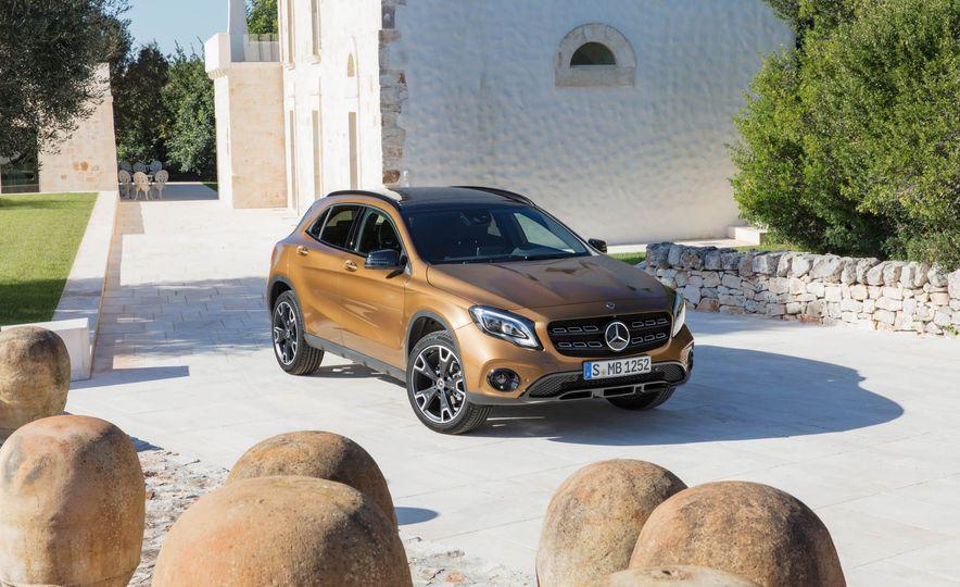 2018 Mercedes-Benz GLA250 - Slide 17