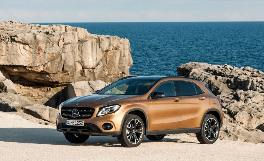 2018 Mercedes-Benz GLA250 - Slide 26