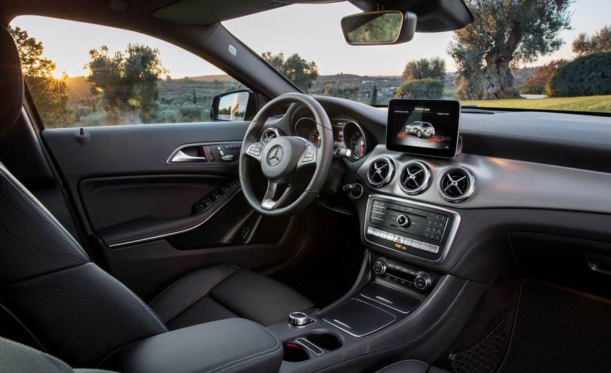 2018 Mercedes-Benz GLA250 - Slide 31