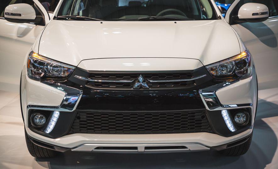 2018 Mitsubishi Outlander Sport - Slide 4