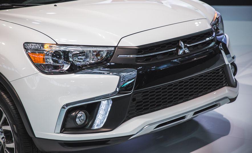 2018 Mitsubishi Outlander Sport - Slide 5