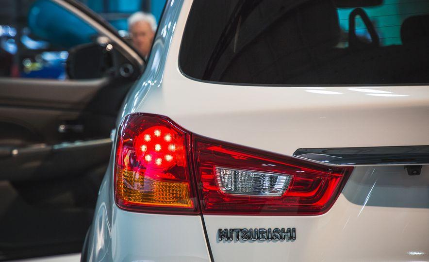 2018 Mitsubishi Outlander Sport - Slide 7