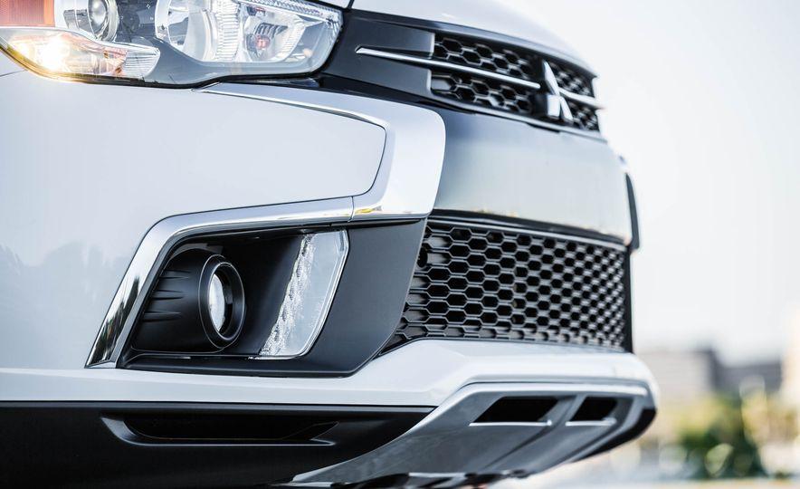 2018 Mitsubishi Outlander Sport - Slide 22