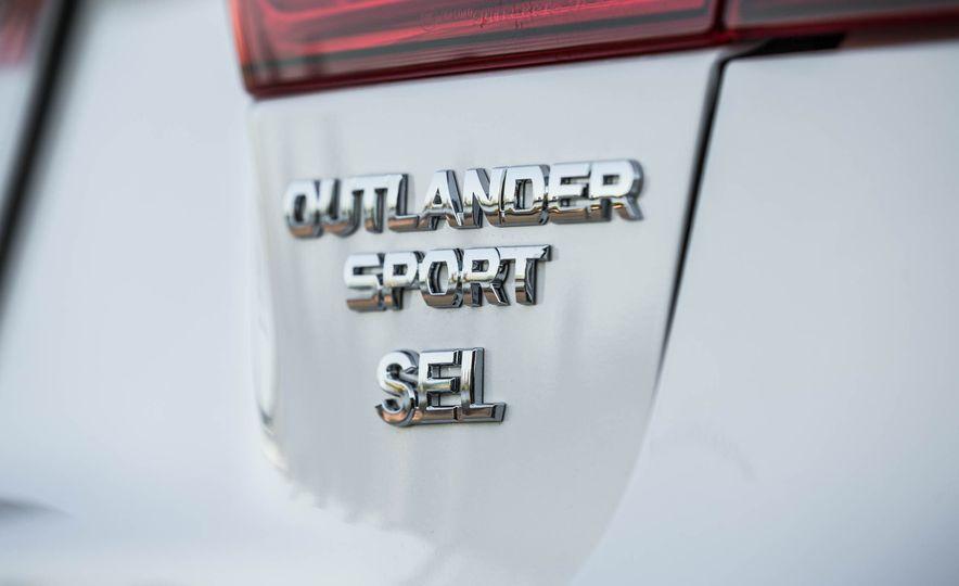 2018 Mitsubishi Outlander Sport - Slide 24