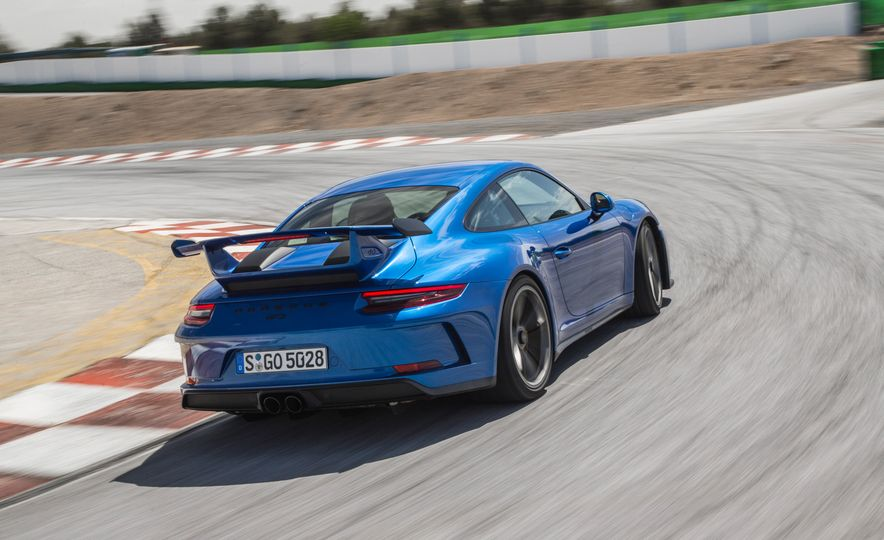 2018 Porsche 911 GT3 - Slide 5