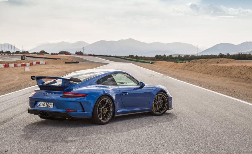 2018 Porsche 911 GT3 - Slide 9