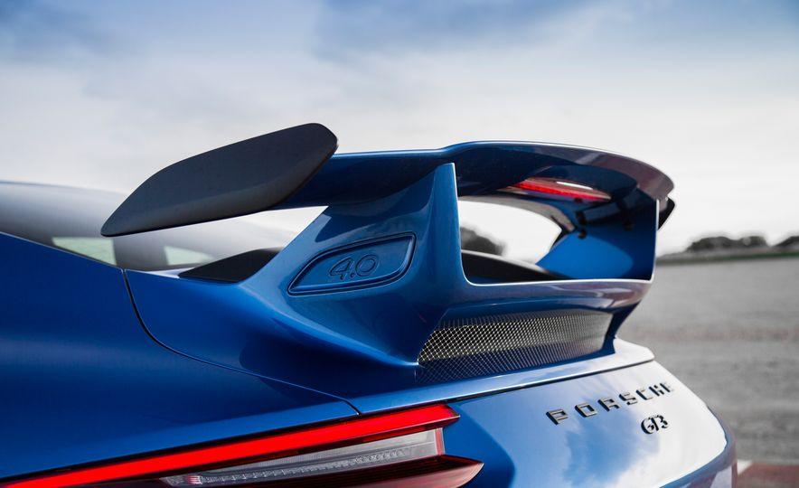 2018 Porsche 911 GT3 - Slide 13