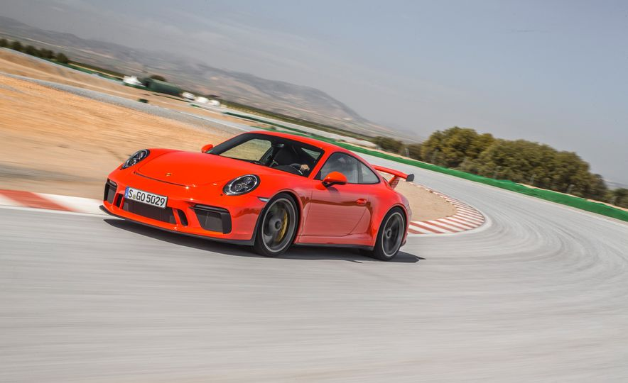 2018 Porsche 911 GT3 - Slide 47
